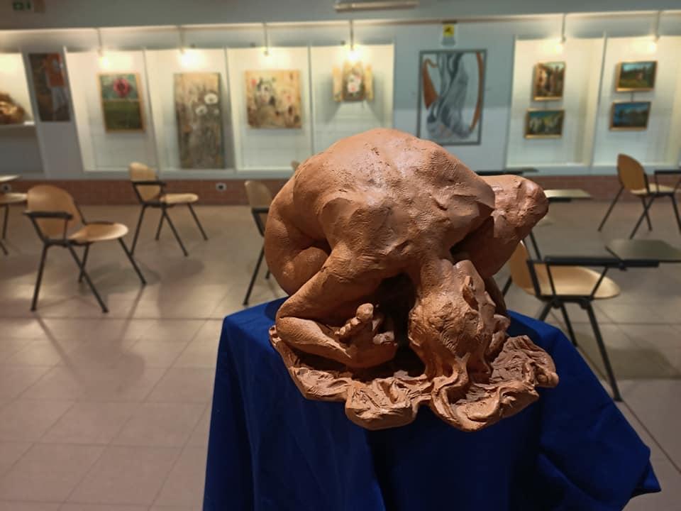 Una delle sculture di Paolo Gualandi